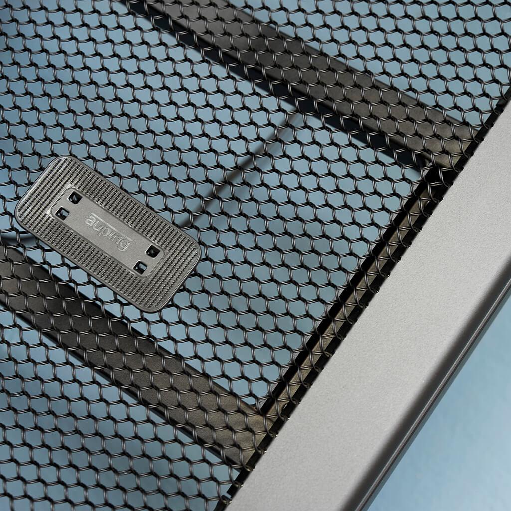 Sommier métallique constitué d'un maillage en acier. Structure ouverte pour la ventilation.