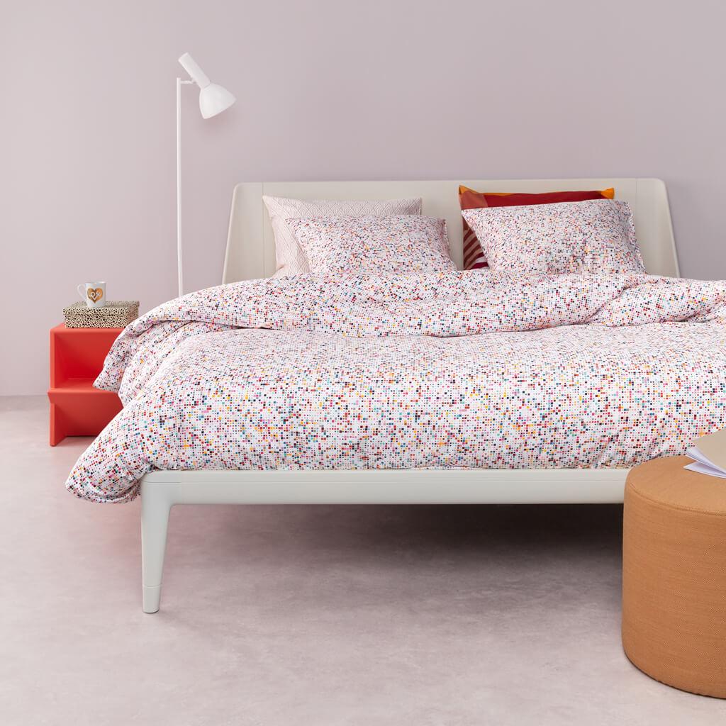 Archipelago dekbedovertrek Multi op een Auping Original bed