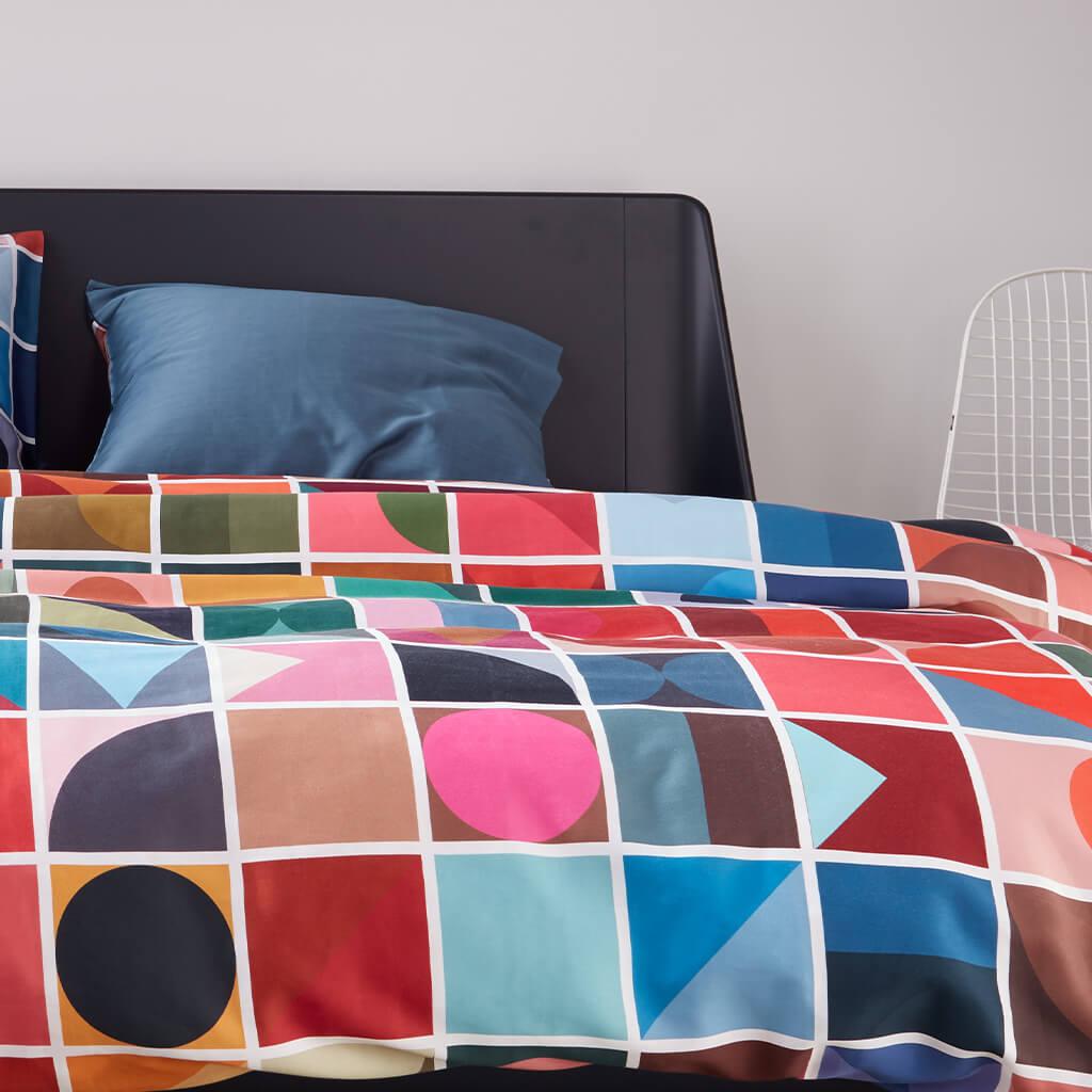 Coventry dekbedovertrek multi op een bed