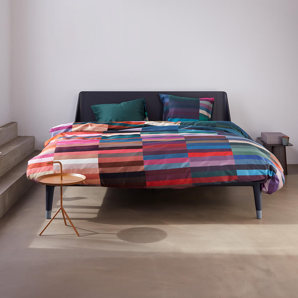 Housse de couette Motion multi on an Auping bed