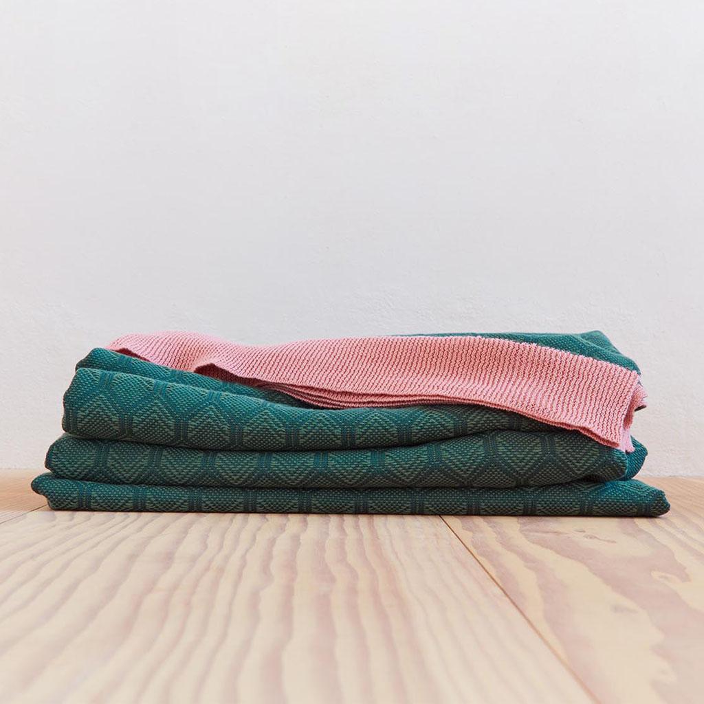 Adonis bedspread Green detail