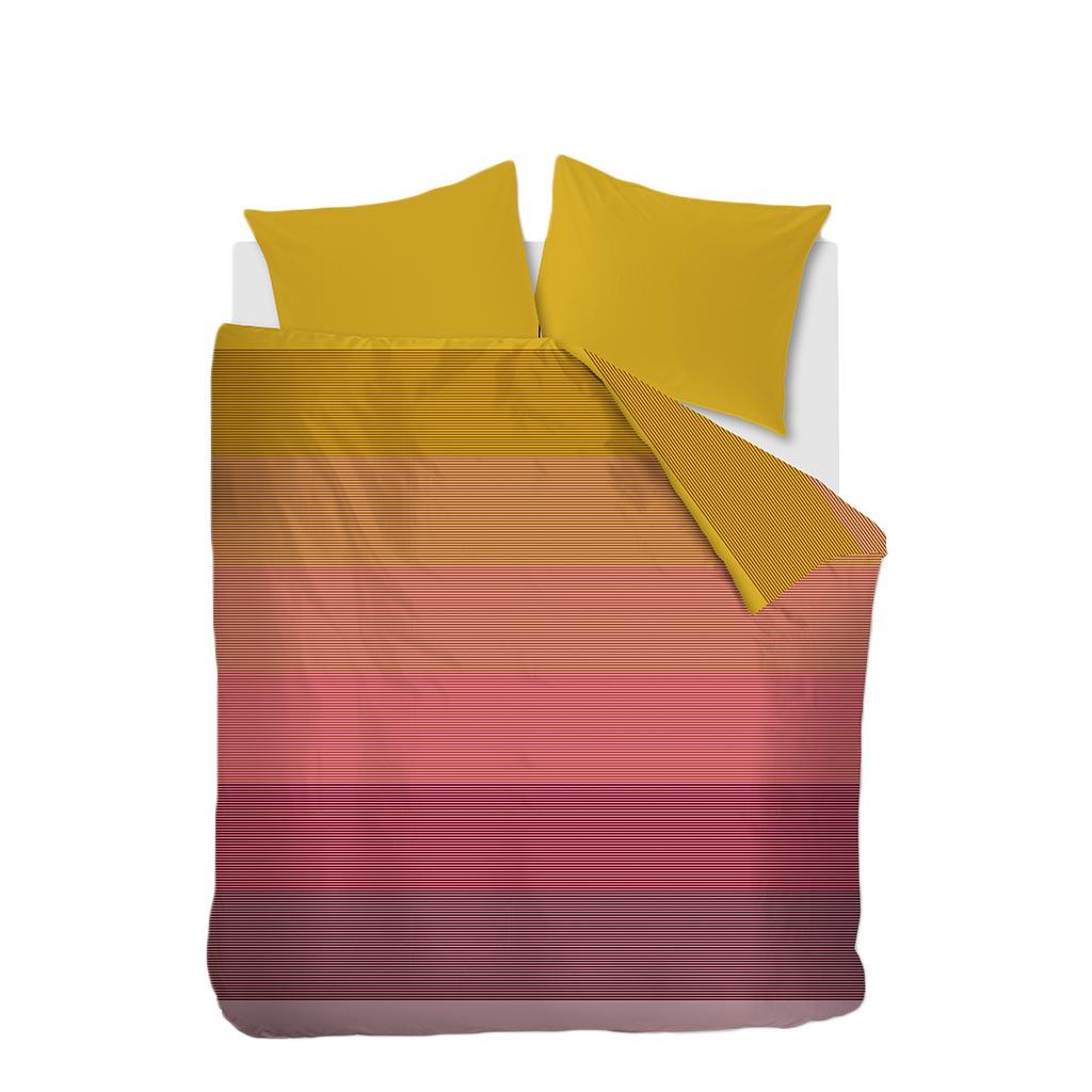 Canyon dekbedovertrek multi op een Auping Essential bed