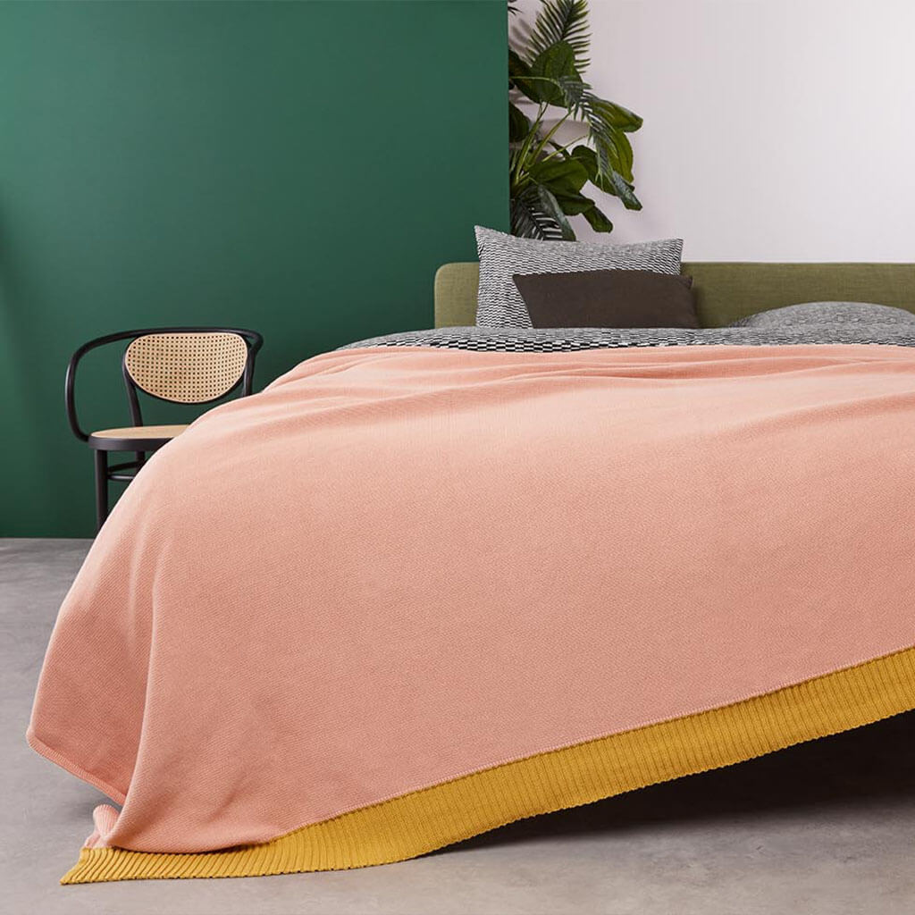 Troy bedspread Soft Pink zoom
